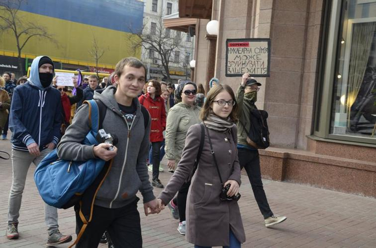 The most massive march of March 8: several activists were beaten – attackers were detained