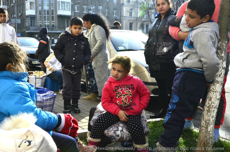 Nineteen Roma children left homeless as a result of domestic